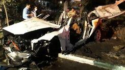 تصادف عجیب خودروی بی ام و در بزرگراه مدرس تهران/از بی ام و پاره آهن ماند! +عکس