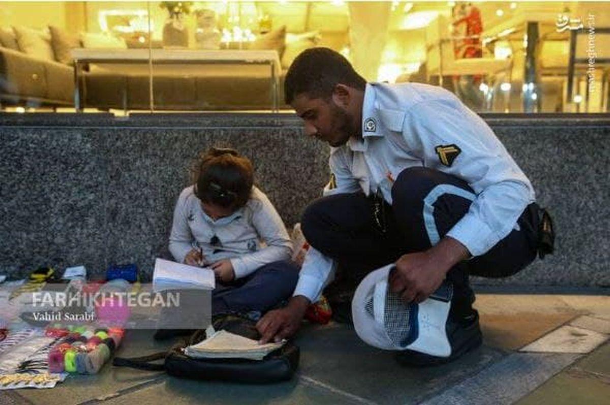 کار تحسین برانگیز سرباز راهور جهانی شد +عکس