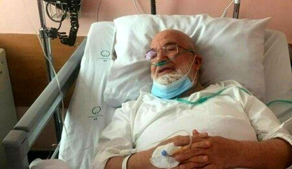 مهدی کروبی در بیمارستان بستری شد