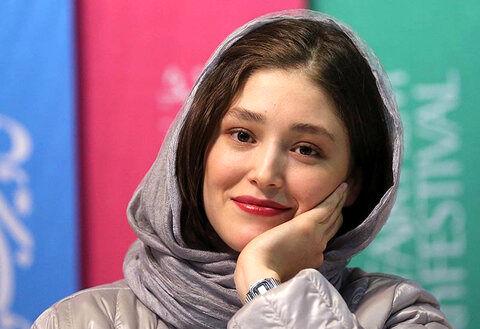 تیپ منشوری فرشته حسینی لب ساحل در آخرین روز های مجردی اش/جواهرات گرانقیمتی که نوید برای دختر افغان خرید! +عکس جنجالی
