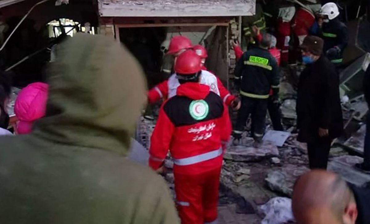 انفجار وحشتناک در پاکدشت/ ادامه عملیات با سگ های زنده یاب!+فیلم